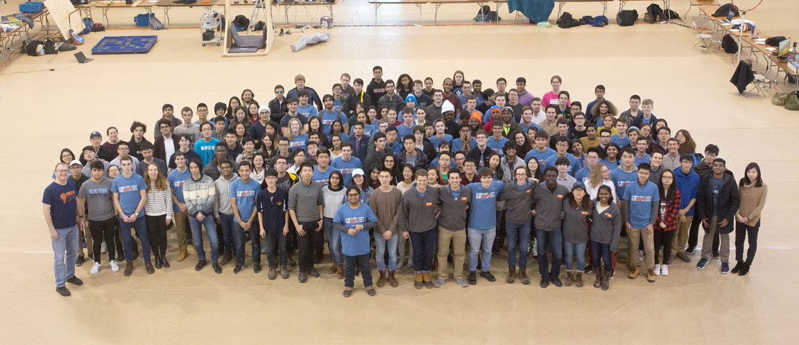 Photo of all the participants that brought their projects to Demo Day